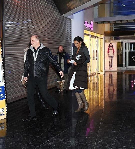 Lejla Abbasová s Michaelem Kocábem dorazili na poslední chvíli.