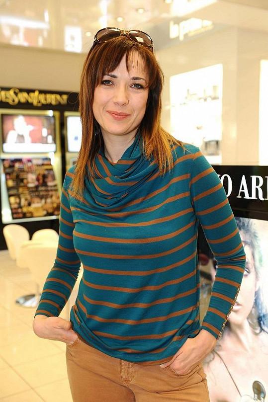 Tereza Kostková si nechala zesvětlit vlasy.