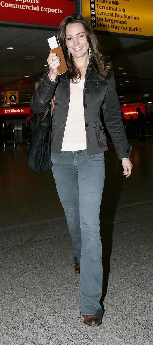 Middleton na letišti Heathrow v roce 2006