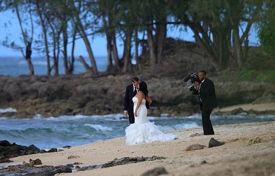 Novomanželé Jennifer Morales a Aaron Davis
