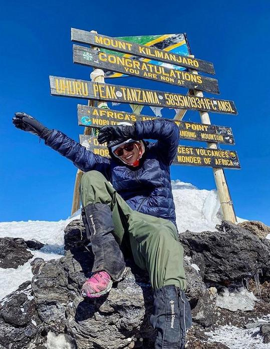 Renata si sáhla na dno a vystoupala na nejvyšší horu Afriky.