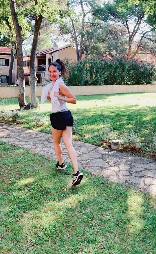 Každé ráno si Betka vyrážela zaběhat.