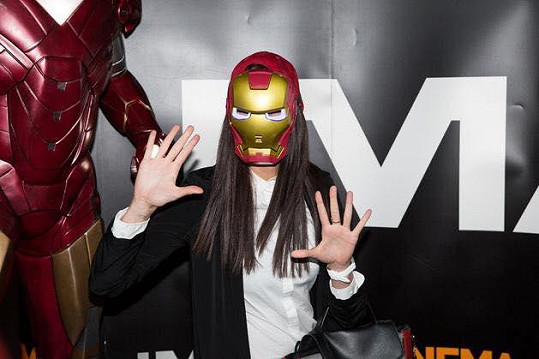 Monika jako Iron Man