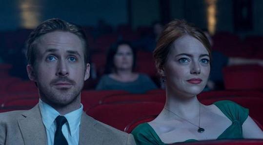 Ryan Gosling s Emmou Stone v muzikálu La La Land