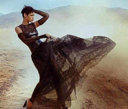 Rihanna fotila s Annie Leibovitz.