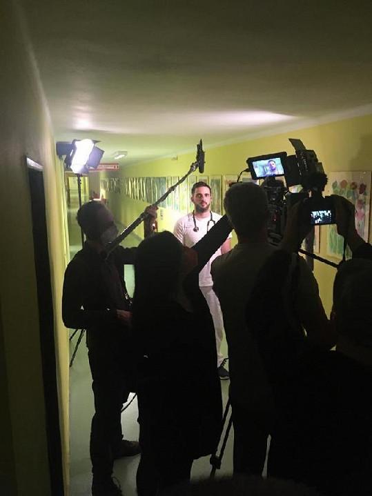 Za vznikem osvětového videa stojí lékař Matěj Falc.