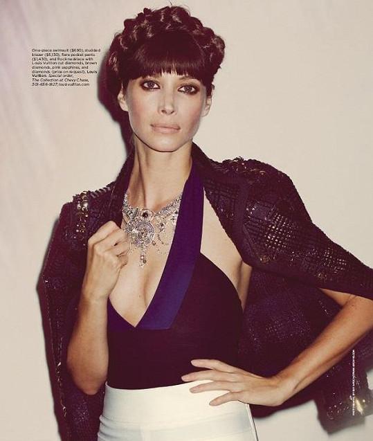 Nestárnoucí Christy Turlington stále působí v modelingu.