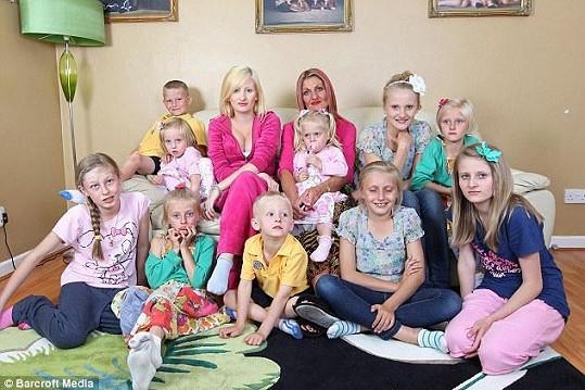 Joanne s jedenácti ze svých 14 dětí.
