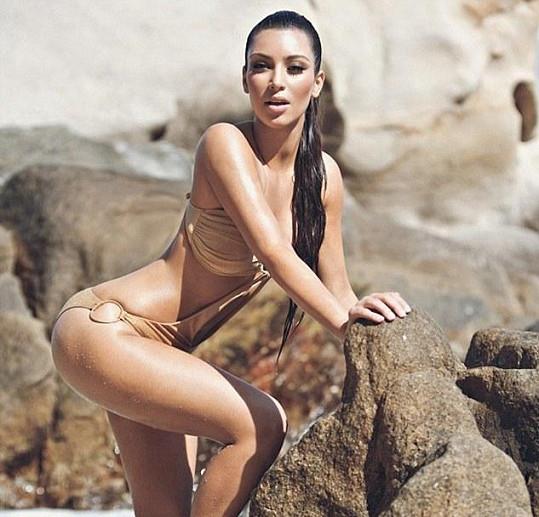 Dokonalá Kim Kardashian na Havaji.