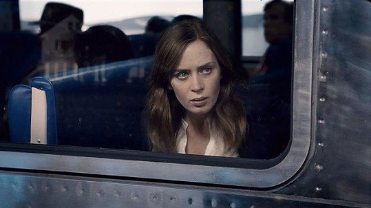 Emily Blunt ve filmu Dívka ve vlaku