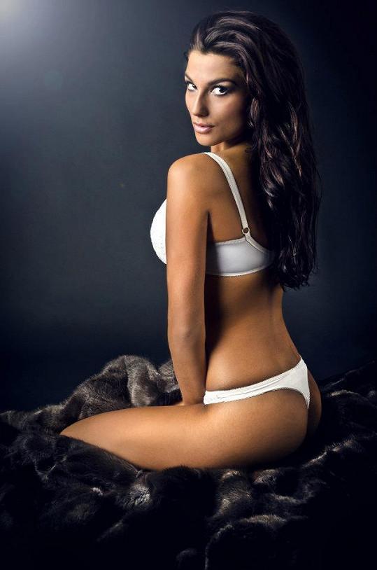 Lenka Hovorková se pyšní fantastickou postavou.