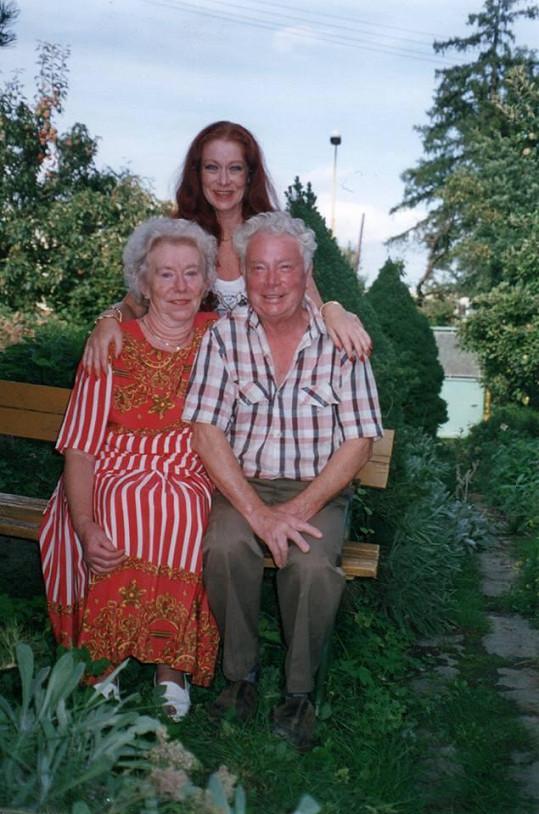 V domě svých rodičů ve Světlé nad Sázavou si vždy skvěle odpočinula.