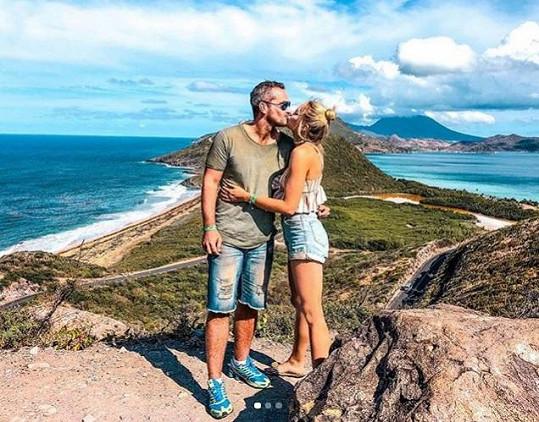 Se svým manželem Mírou Hejdou na dovolené.