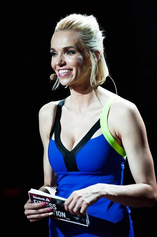Hanka Mašlíková moderovala sportovní festival.