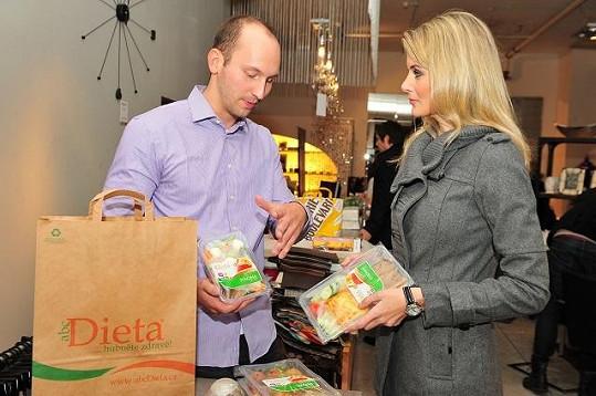 Iveta s majitelem diety Radimem Řezáčem.