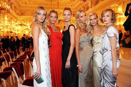 Jména Dvořáková, Dvončová, Stráská nebo Jiříčková řeknou něco málokomu. Jsou to ale nejvyhledávanější české a slovenské modelky.