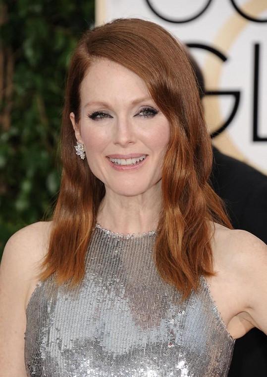 Rusovlasá herečka vypadá v 54 letech skvěle.