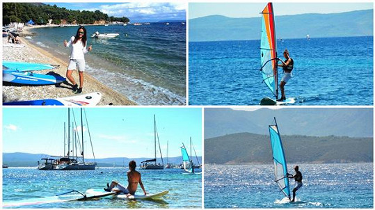 S partnerem se Monika oddávala windsurfingu.