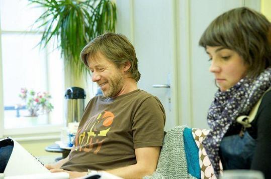 Jiří Langmajer se během čtení scénáře dobře bavil.