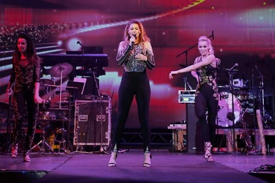 Fanynky a fanoušky si našla také Tereza Kerndlová, na které mohla hlavně pánská část publika nechat oči.