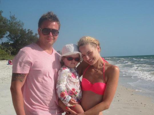 Markéta Divišová s manželem Tomášem a dcerou Natálkou