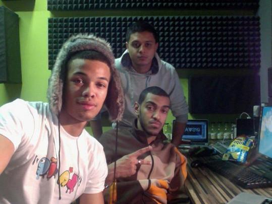 Na jeho novém albu Ben spolupracuje opět s rapperem Osamou Verse-Atile Hussainem