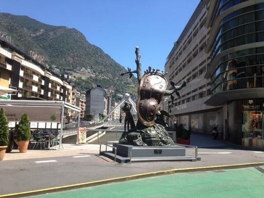 Focení vlastní osoby má Jana kvůli své profesi někdy až nad hlavu, a tak v Andoře raději fotila okolí.