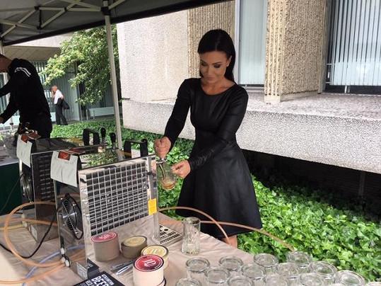 Gábina na ambasádě degustovala devětadvacet druhů piv.