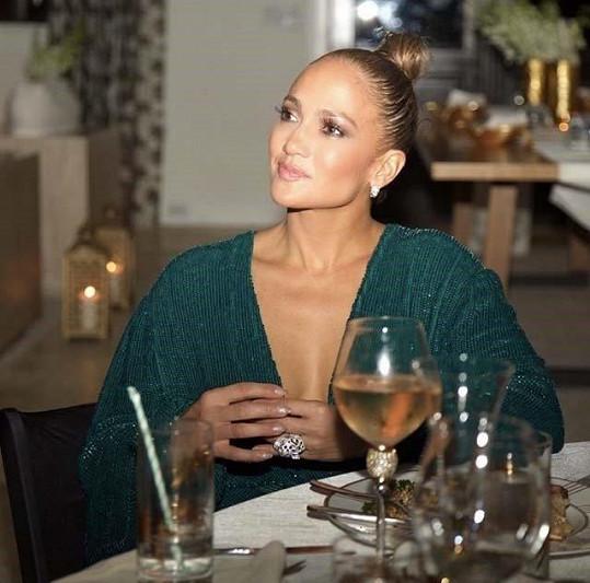 Šla by Jennifer do sňatku číslo čtyři?
