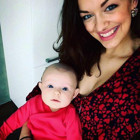 Jitka Boho s roztomilou dcerou