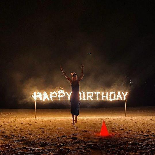Oslavila zde i 31. narozeniny.