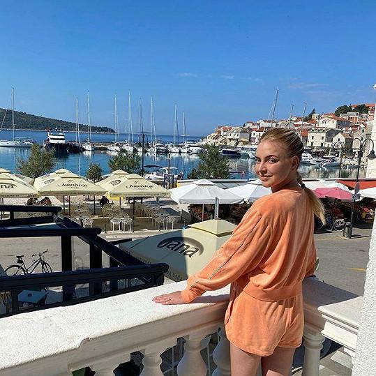 Zpěvačka vyrazila do Chorvatska.