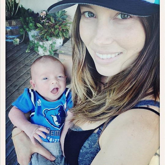 Jessica Biel se synem Silasem