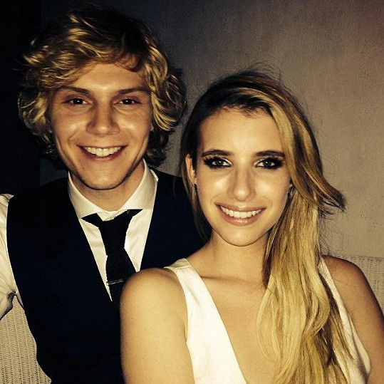 Emma a Evan zrušili zásnuby.