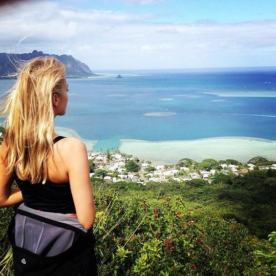 Renata tráví tři týdny na Havaji.