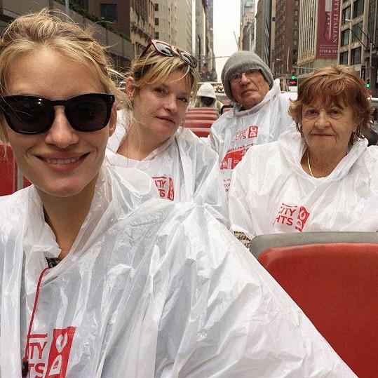 Projížďka otevřeným autobusem ulicemi New Yorku