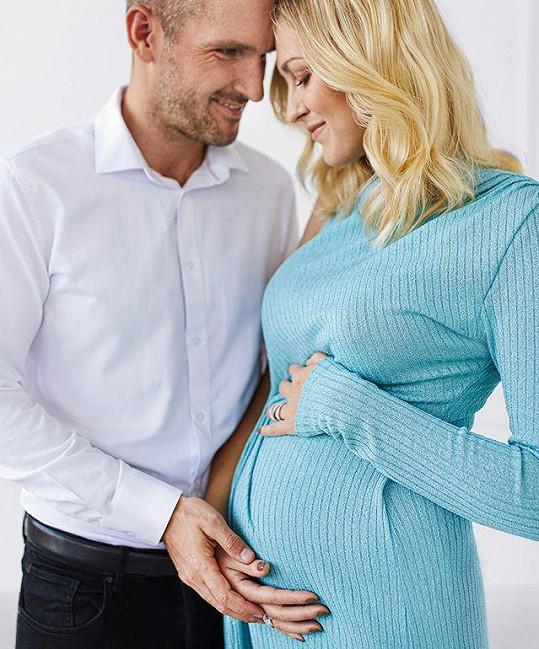 Zorka Hejdová se stane maminkou.