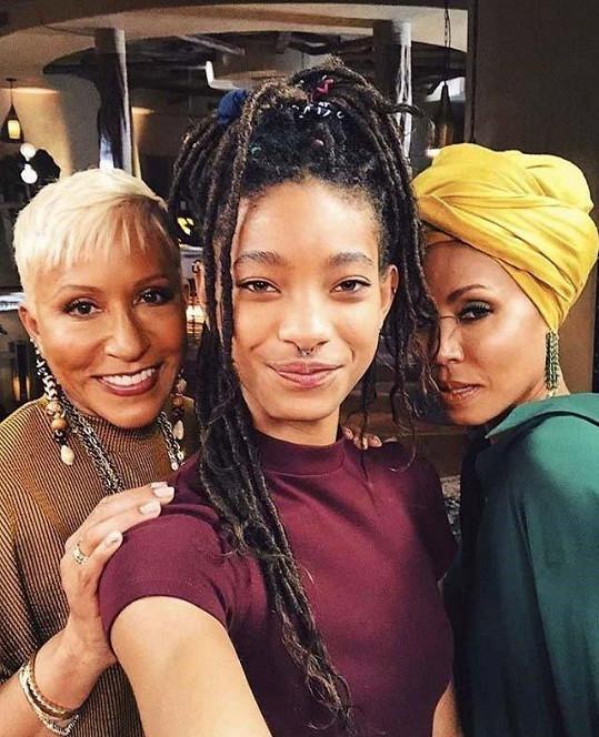 Zprava: Jada, dcera Willow a matka Adrienne