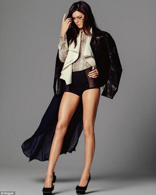 Kendall má božské nohy, které jí závidí i vždy sebevědomá Kim Kardashian.