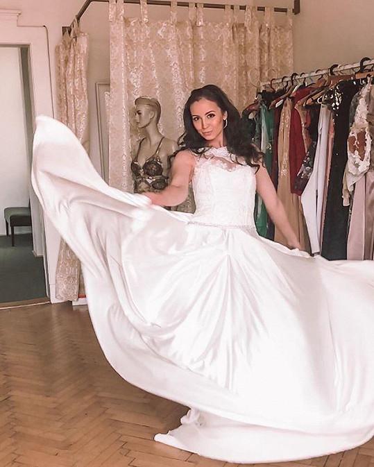 V reálu se ale do svatby nežene.