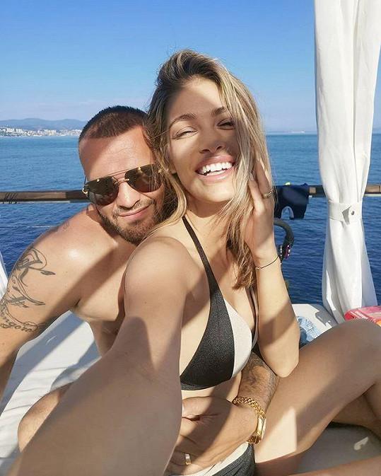 Jasmina a Rytmus si užívají v Chorvatsku.