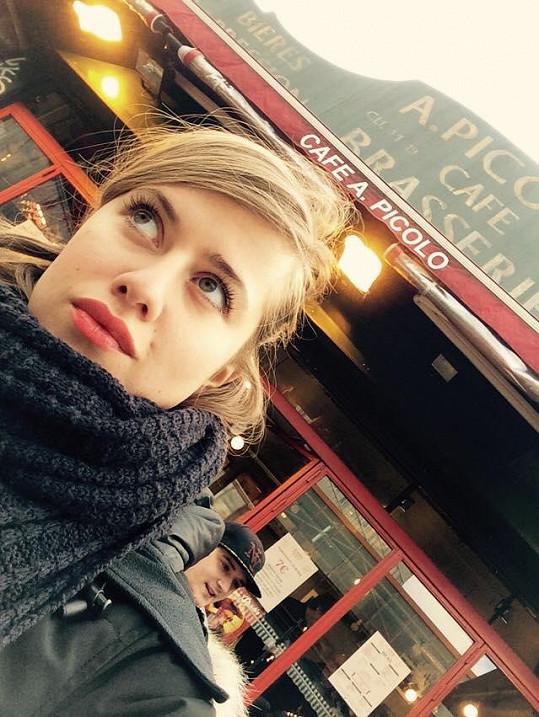 Emma Paříž, kde žila, miluje.