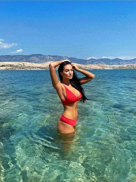 Andrea Pomeje předvedla dokonalou figuru v plavkách.