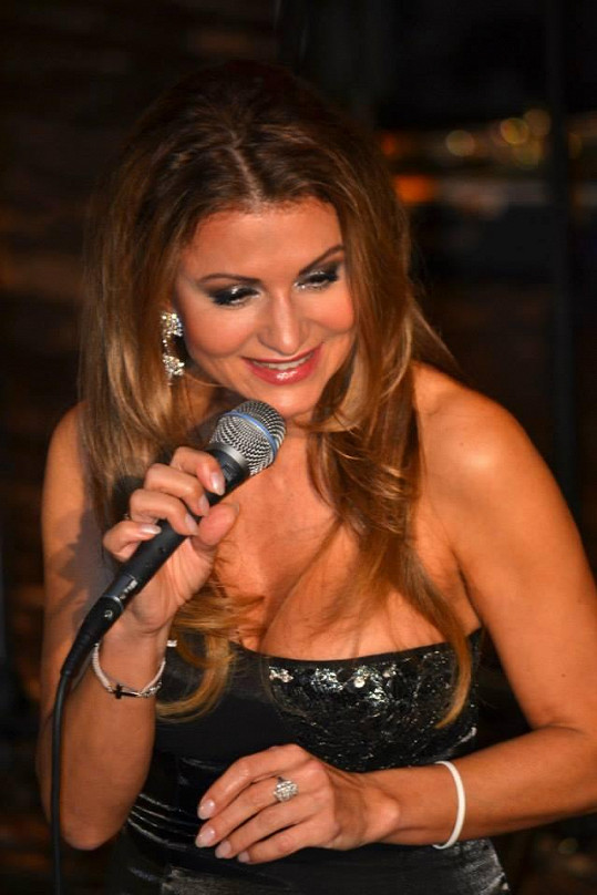 Yvetta Blanarovičová oslnila publikum nejen svým dekoltem.