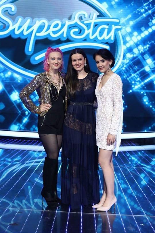 Tereza, Karmen a Eliška (zleva) se utkají o titul SuperStar.