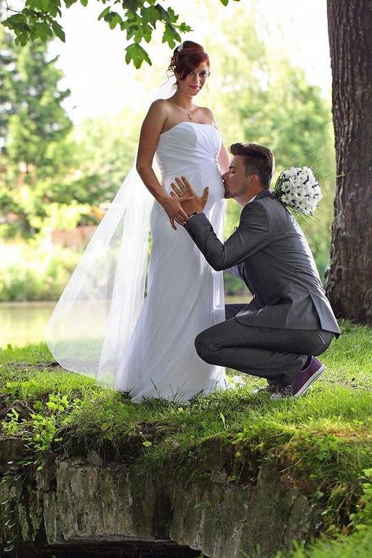Manželům se na podzim narodí dítě.