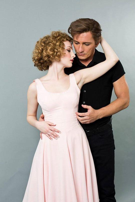 Petr Vondráček a Anna Fialová jako Bill Medley a Jennifer Warnes