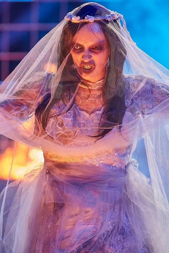 Neuvěřitelná proměna křehké Jitky Boho v Marilyna Mansona.