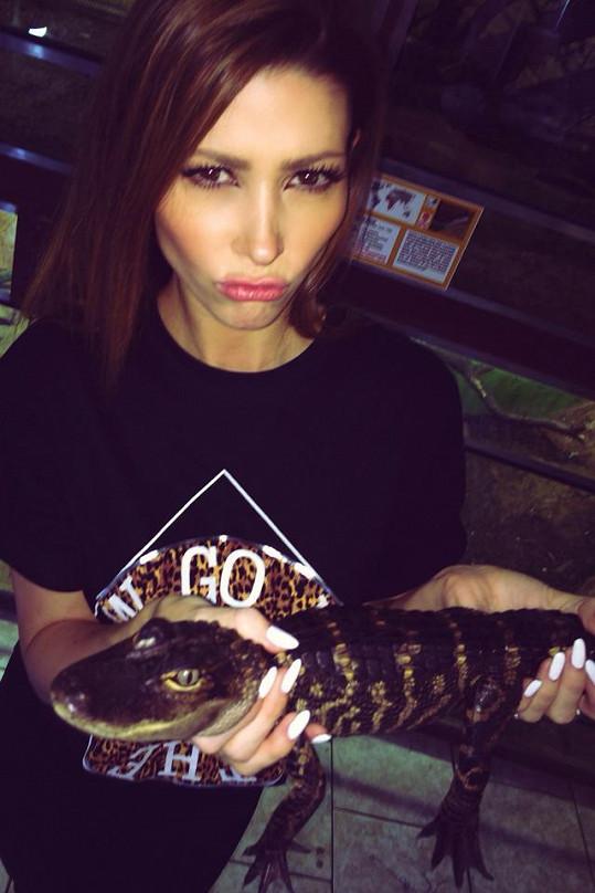 U krokodýlka nasadila kačeří výraz.