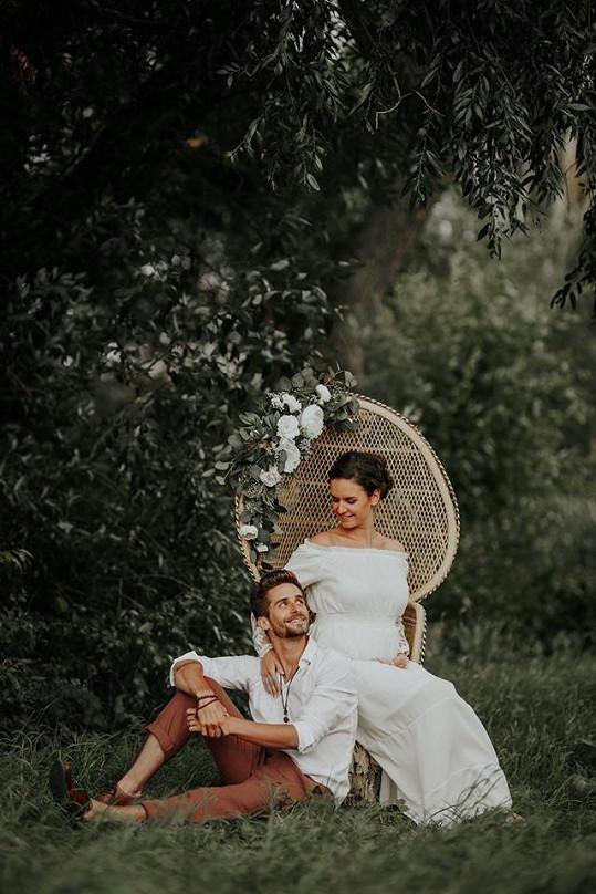 Tanečník se pochlubil snímkem se svou těhotnou partnerkou.